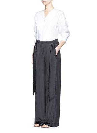 模特示范图 - 点击放大 - CÉDRIC CHARLIER - 系带装饰皱褶阔腿裤