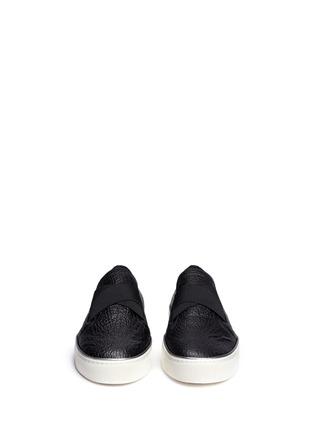 正面 -点击放大 - STUART WEITZMAN - Flex弹力布拼贴荔枝纹皮平底便鞋