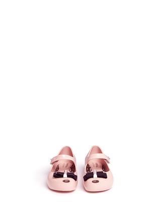 模特儿示范图 - 点击放大 - MELISSA - x JASON WU ULTRAGIRL幼儿款蝴蝶结PVC平底鞋