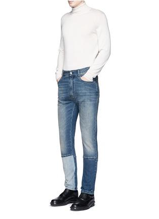 模特儿示范图 - 点击放大 - MAISON MARGIELA - 拼接裤腿水洗直脚牛仔裤