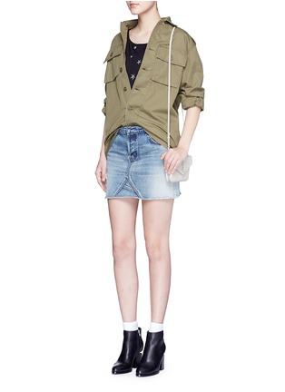 模特示范图 - 点击放大 - SAINT LAURENT - 品牌标志真皮单肩包