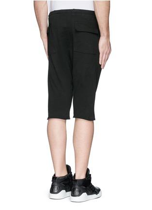 背面 - 点击放大 - SIKI IM / DEN IM - 低裆纯棉休闲短裤