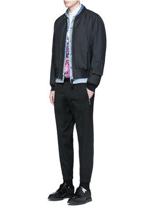 模特儿示范图 - 点击放大 - DSQUARED2 - 压褶松紧带混羊毛休闲裤