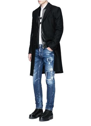 模特儿示范图 - 点击放大 - DSQUARED2 - COOL GUY水洗补丁磨破牛仔裤