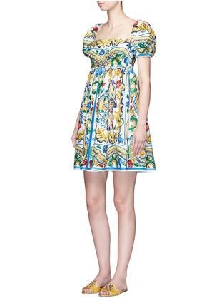 模特示范图 - 点击放大 - DOLCE & GABBANA - 彩色花卉印花纯棉连衣裙