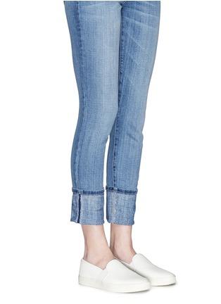 模特儿示范图 - 点击放大 - VINCE - BLAIR方格纹理平底便鞋