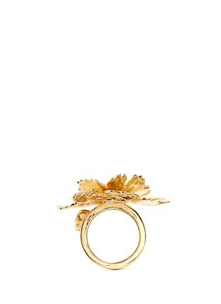 模特示范图 - 点击放大 - ALEXANDER MCQUEEN - 莲花造型金属戒指