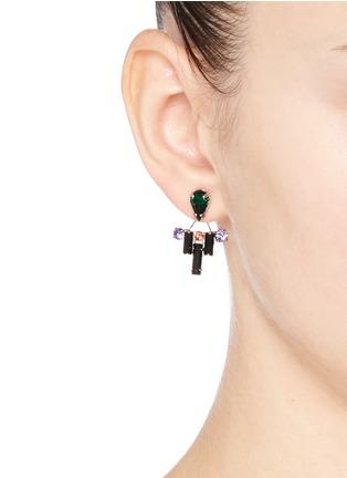模特示范图 - 点击放大 - JOOMI LIM - Pixel Perfect仿水晶装饰垂坠耳环