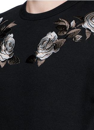 细节 - 点击放大 - ALEXANDER MCQUEEN - 花卉刺绣纯棉卫衣