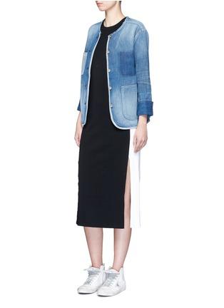 模特儿示范图 - 点击放大 - RAG & BONE/JEAN - SANTA CRUZ拼色水洗牛仔夹克