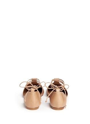 背面 - 点击放大 - VINCE - Noella系带侧空尖头平底鞋