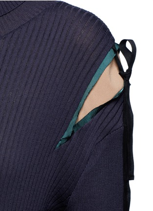 细节 - 点击放大 - MUVEIL - 拼色蝴蝶结高领针织衫