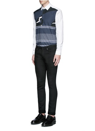 模特儿示范图 - 点击放大 - NEIL BARRETT - 迷彩头巾印花纯棉衬衫