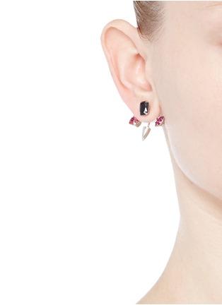 模特示范图 - 点击放大 - JOOMI LIM - 施华洛世奇仿水晶吊饰垂坠耳环