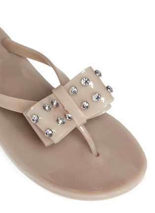细节 - 点击放大 - KATE SPADE - 蝴蝶结仿水晶果冻夹脚平底凉鞋