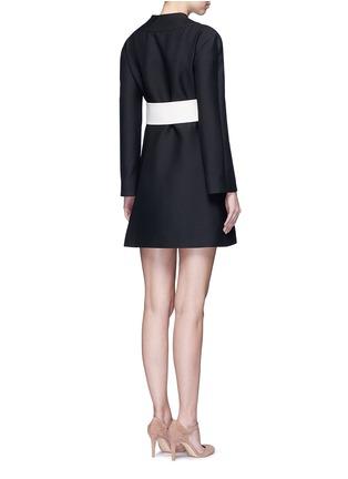 背面 - 点击放大 - Valentino - 蝴蝶结腰带羊毛混丝和服式连衣裙