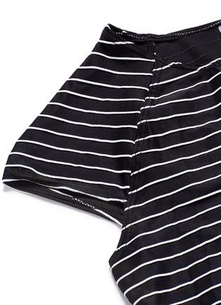 细节 - 点击放大 - VITAMIN A  - ESTELLA短款横纹冲浪上衣