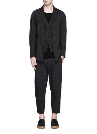 模特儿示范图 - 点击放大 - ZIGGY CHEN - 细竖纹西服外套