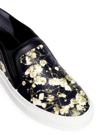 细节 - 点击放大 - GIVENCHY - 满天星图案真皮便鞋