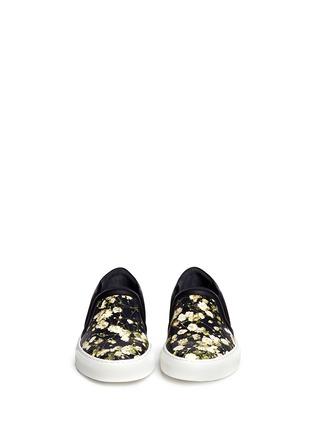 模特示范图 - 点击放大 - GIVENCHY - 满天星图案真皮便鞋