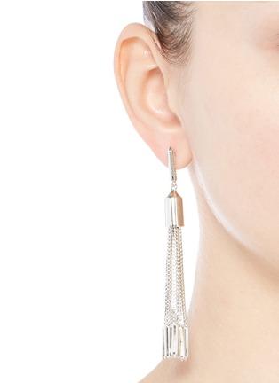 模特示范图 - 点击放大 - EDDIE BORGO - NEO细链条垂坠耳环
