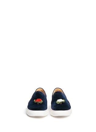 模特儿示范图 - 点击放大 - BING XU - 玫瑰花刺绣平底便鞋