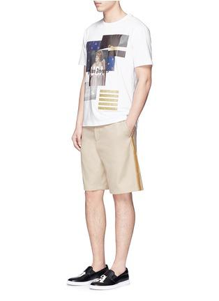 模特儿示范图 - 点击放大 - Palm Angels - 闪亮竖纹拼贴纯棉短裤