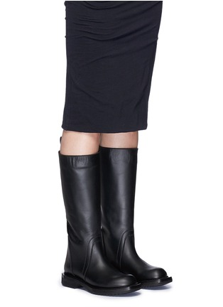 模特示范图 - 点击放大 - RICK OWENS - 单色小牛皮长靴