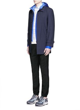 模特儿示范图 - 点击放大 - MONCLER - MIR连帽羽绒大衣