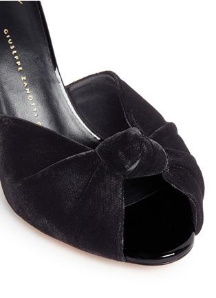 细节 - 点击放大 - GIUSEPPE ZANOTTI DESIGN - Coline扭结设计天鹅绒高跟凉鞋
