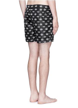 背面 - 点击放大 - DOLCE & GABBANA - 皇冠图案游泳短裤