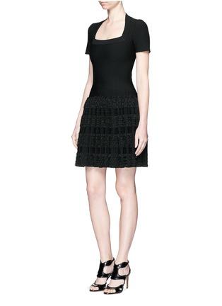 模特示范图 - 点击放大 - AZZEDINE ALAÏA - Marquises圆点提花褶皱针织连衣裙
