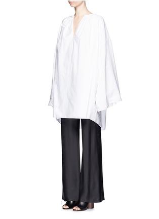 模特示范图 - 点击放大 - The Row - MELODY碎褶装饰棉混亚麻长上衣