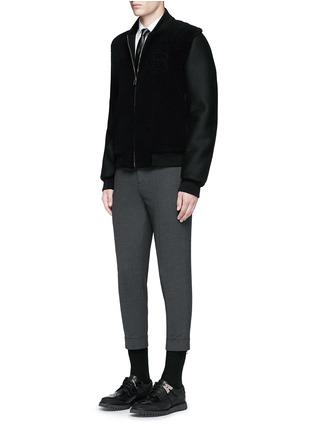 模特儿示范图 - 点击放大 - NEIL BARRETT - 闪电缀饰领带礼服衬衫