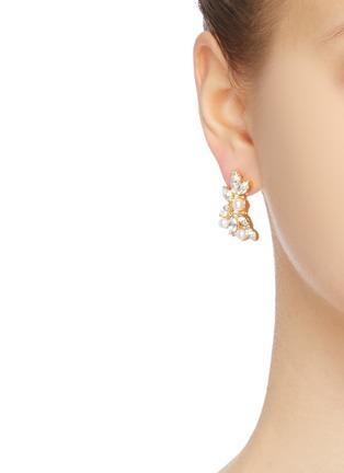 模特示范图 - 点击放大 - KENNETH JAY LANE - 仿水晶花卉耳环