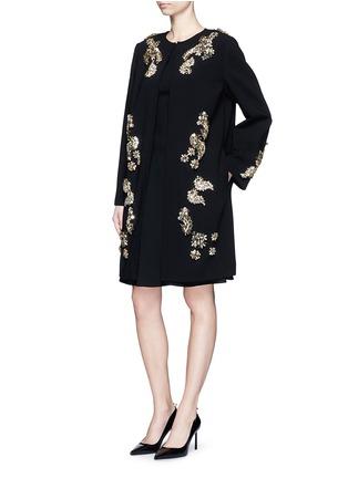 模特儿示范图 - 点击放大 - DOLCE & GABBANA - 花卉仿水晶羊毛大衣