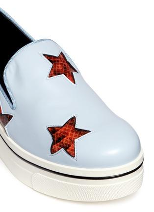 细节 - 点击放大 - Stella McCartney - 蛇纹星星坡跟厚底便鞋