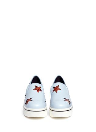 模特示范图 - 点击放大 - Stella McCartney - 蛇纹星星坡跟厚底便鞋