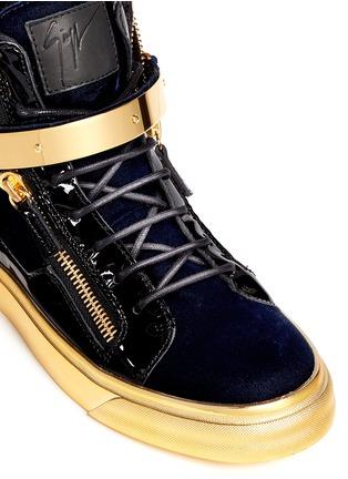 细节 - 点击放大 - 73426 - LONDON鳄鱼纹金属搭扣高筒运动鞋