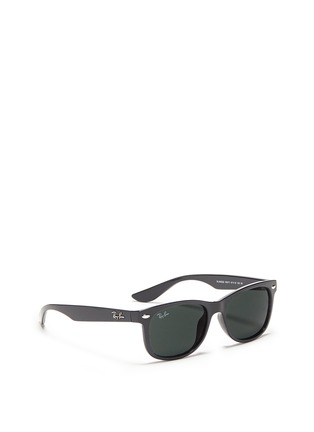 模特示范图 - 点击放大 - RAY-BAN - 'New Wayfarer Junior' plastic sunglasses