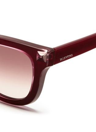 细节 - 点击放大 - VALENTINO - Valentino Garavani WAYFARER款铆钉太阳眼镜