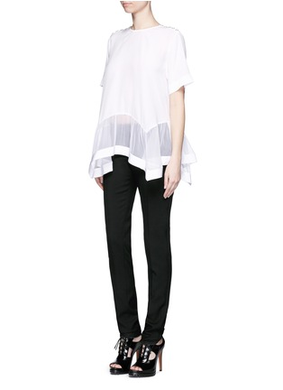 模特示范图 - 点击放大 - Givenchy Beauty - 荷叶边拼接真丝上衣