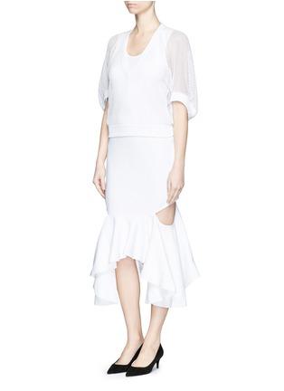 模特儿示范图 - 点击放大 - Givenchy Beauty - 蝙蝠袖网眼上衣