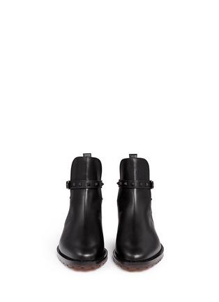 模特示范图 - 点击放大 - VALENTINO - Rockstud铆钉搭带牛皮切尔西靴