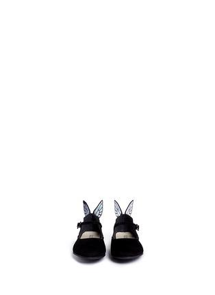 模特儿示范图 - 点击放大 - Sophia Webster - CHIARA MINI儿童款幻彩蝴蝶装饰绒面皮平底鞋