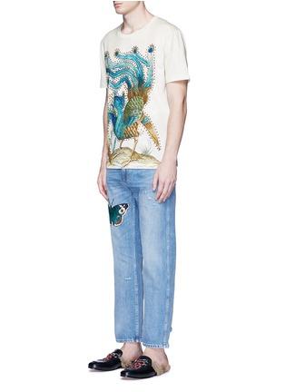 模特儿示范图 - 点击放大 - GUCCI - 蝴蝶徽章磨破水洗牛仔裤