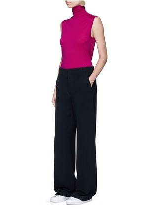 模特示范图 - 点击放大 - VICTORIA BECKHAM - 单色绉绸阔腿裤