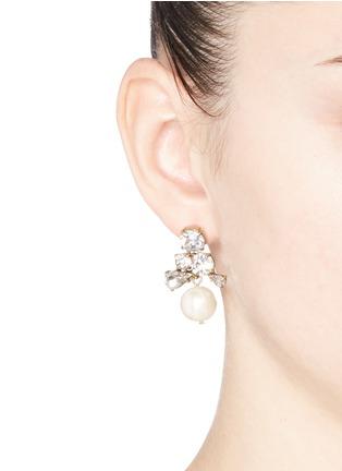 模特示范图 - 点击放大 - J.CREW - 仿水晶人造珍珠垂坠耳环