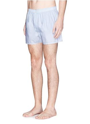 模特儿示范图 - 点击放大 - SUNSPEL - 虚线格纹纯棉四角内裤