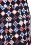 细节 - 点击放大 - EMILIO PUCCI - 多彩格纹印花长裤